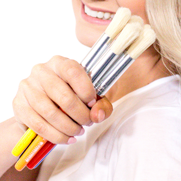 Stubby Paint Brushes